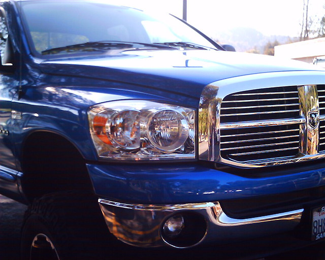 blue dodge ram 1500 vistaquest vq1005