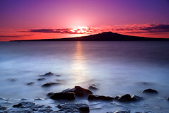 Rangitoto @ Dawn (Chris Gin) Tags: longexposure newzealand beach sunrise bravo auckland filter nz nd soe rangitoto ndfilter gndfilter neutraldensity graduatedfilter nd110 abigfave anawesomeshot naturewatcher photocontesttnc09 winscombecove