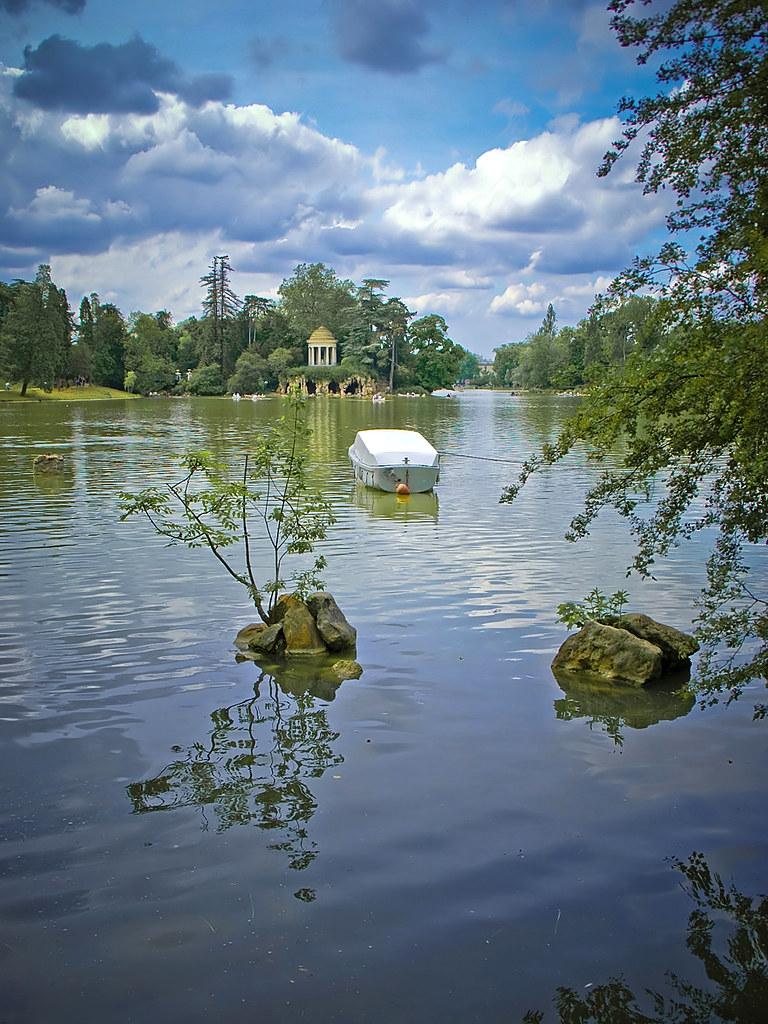 Dausmenil Lake