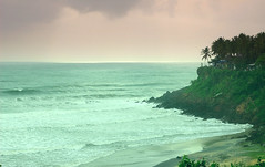 varkala beach (thejasp) Tags: desktop travel sunset wallpaper cliff india beach colors d50 nikon scenery gimp surreal kerala varkala gradient tropical 1855mm dslr capture indien seaview inde southindia keralam southasia     indiatravel    indiatourism thejas   sdindien  zuidindia  thejasp             suurindland