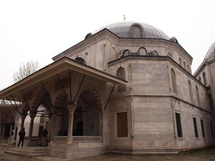 Haghia Sophia Mausoleums, Istanbul (ChihPing) Tags: travel digital pen turkey lite zoom olympus istanbul mausoleum kit zuiko sophia 43 sultanahmet ayasofya mausoleums  haghia m43 haghiasophia   1442  fourthird  1442mm      epl1 microfourthird