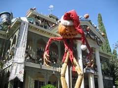 A pumpkin rendering of Sandy Claws. (09/30/07)