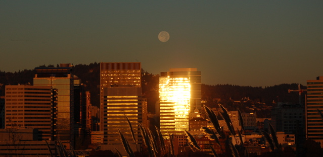 102807_moon_sunrise_reflection3