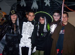 Gabby, Alex,Chris & Andres (Gabbcan) Tags: halloween witches halloweenparty nochedebrujas halloween2007