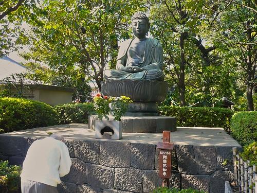 Buddha statue near Sensoji