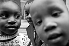 (Hughes Lglise-Bataille) Tags: blackandwhite bw paris france topf25 kids noiretblanc protest photojournalism dal demonstration housing enfants rue manif manifestation 2007 campement logement droit banque