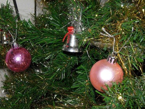 pink_christmas_bauble