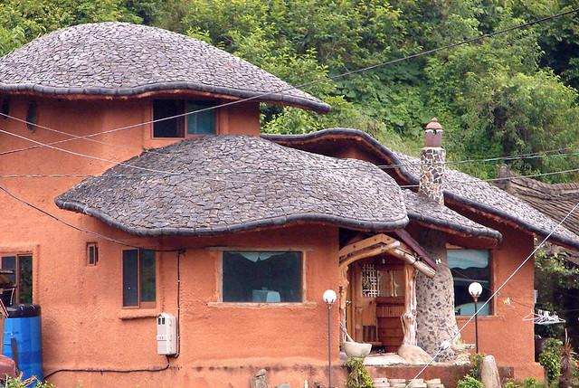 Mushroom Shape Roof