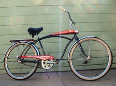 1965 AMF Roadmaster Discoverer (Wha'ppen) Tags: bike bicycle lights whitewalls tank headlights retro amf cruiser 1965 fattire roadmaster beachcruiser fattirebike balloontire discoverer middleweight starsprocket