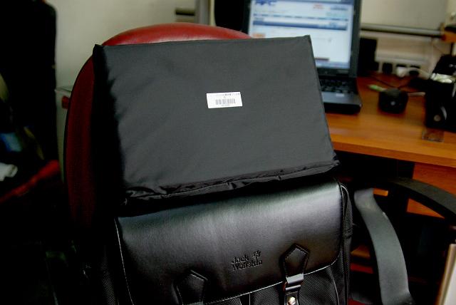 商周贈品再活用--不顯眼的相機側背包