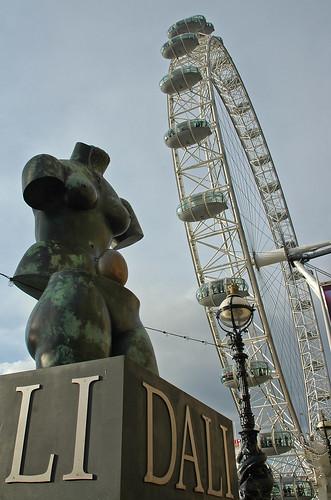 Дали и Лондонское око
