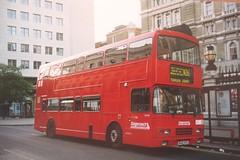 N26 : Charing Cross Station (localet63) Tags: stagecoach eastlondon london londontransport londonbuses nightbus night busn26
