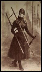 RAUCHFANGKEHRERIN . FEMALE CHIMNEY SWEEP (LitterART) Tags: rauchfangkehrer rauchfangkehrerin female weibliche chimneysweeps austria österreich mieder korsett mode fashion leiter ladder femme girl mädchen ragazza besen kehrbesen