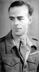 Image titled Frank Reynolds 1940s