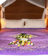 Hotel Bora Bora - Welcome (Super Starfish) Tags: island hotel bed resort southpacific tahiti tropics sarong borabora pareo frenchpolynesia sarongs pareos hotelborabora