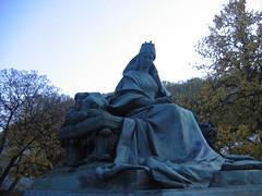 Erzsebet Kiralyne (THEfunkyman) Tags: statue hungary budapest danube erzsebet hongrie kiralyne