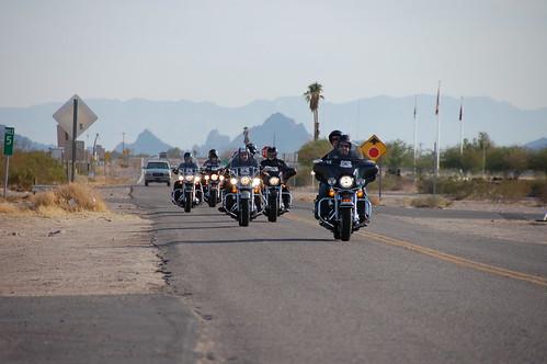 Riders aldea del desierto