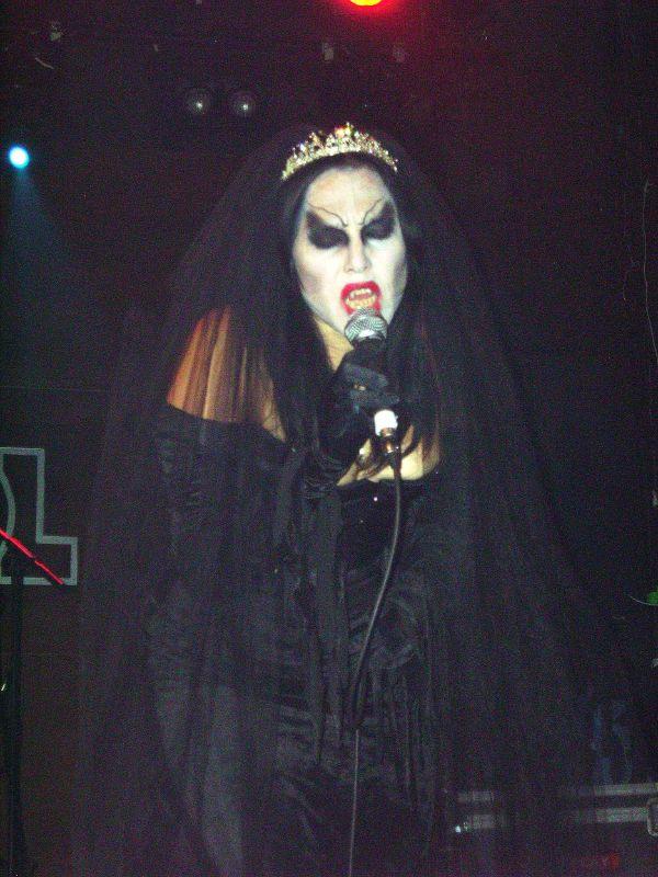 Eva O., Reina Madre