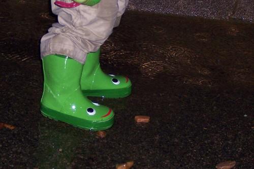 noah rain toddler boots splashing