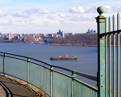 Scenic Hudson River View from Allison Park in Englewood Cliffs NJ (jag9889) Tags: bridge ny newyork puente newjersey crossing bronx manhattan nj bridges ponte pont hudsonriver brücke 2008 inwood wahi bergencounty inwoodite y2008 jag9889