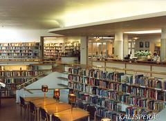 A AALTO #2 interno biblioteca (Kalispera2007) Tags: architecture finland rovaniemi library lappland biblioteca architettura alvaraalto finlandia lapponia architetturamoderna fotoanalogica architetturavallegiuliapool kjriastolabibliotecaregionale kjriasto