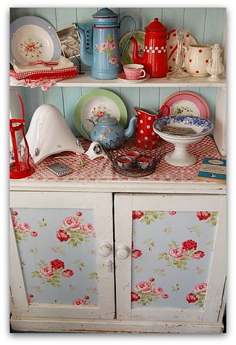 Cath Kidston-esque cabinet filled with similar china, via Flickr: Happy Loves Rosie