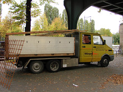 Iveco-Daily-49-12-gelb-Weddy-141207-01 (EL KARRO DE DYLI) Tags: truck camion albania shqiperia kamion shqipe