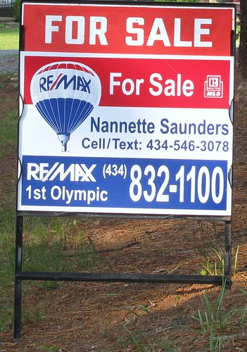 Home For Sale RE/MAX Nannette Saunders Realtor
