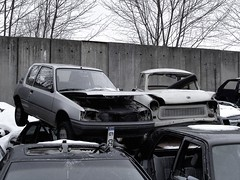 Peugeot 205 / Trabant 601 (ifa.zweitakt) Tags: auto cars car rust rusty voiture vehicle oldtimer scrapyard rost scrap rostig fahrzeug schrott youngtimer klassiker lafin kfz schrottplatz schrotthaufen ifazweitakt