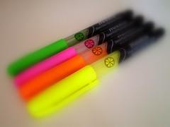 benim de bir sandm varm... (GamZeynel http://haydimutfaga.blogspot.com/) Tags: pink en orange color green colors yellow pencil loveit yeil sar ok pembe renkli kalemler turuncu sevdiim fotografca
