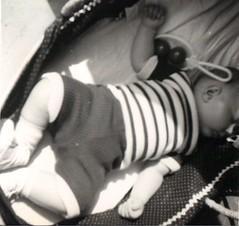 1972. Sleeping baby. (sebadive) Tags: sleeping baby bebé 1972 bébé dorme dormido säugling adormecida schlafendes
