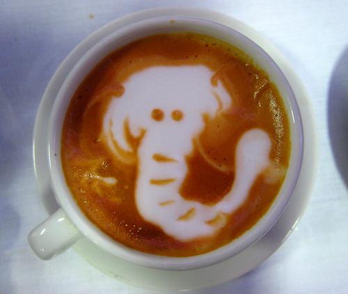 Das sollte mal ein Elefant im Kaffee sein.