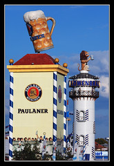 The Two Towers (matt :-)) Tags: beer munich mnchen bayern bavaria stand oktoberfest monaco bier munchen mattia birra zelt muenchen 2007 paulaner lowenbrau baviera zelte theresienwiese zelten lwenbru 80200mmf28d festhalle bierzelte nikond80 consonni mattiaconsonni