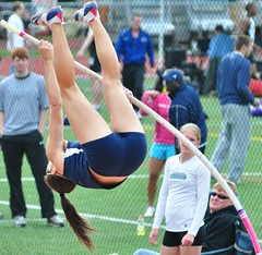 DSC_0095 (MNJSports) Tags: girls bar temple amazing women dramatic georgetown pole stjosephs lasalle delaware messiah polevault swarthmore rutgers ncaa height exciting ursinus cuc trackfield desales richardstockton muehlenburg swarthmorelastchancetrackmeet
