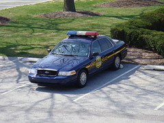 Delaware State Police (10-42Adam) Tags: trooper ford cops duty 911 honor canine tint cage victoria cop vehicle vic crown emergency signal federal officer patrol protect k9 serve unit dsp statetrooper marked lightbar delawarestatepolice streethawk
