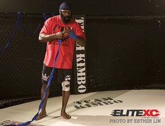 Kimbo Slice Open Workout (Esther Lin  all elbows) Tags: beard fight fighter miami slice boxing kimbo mma elitexc kimboslice kimboopenworkout streetcertified