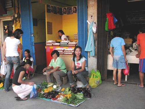 sampaguita vendor sidewalk vegetable Pinoy Filipino Pilipino Buhay  people pictures photos life Philippinen  菲律宾  菲律賓  필리핀(공화국) Philippines