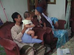 Hakimi & Anak Kak yong (naida&ishak) Tags: family muslim eid 2006 raya mak celebrating saleh mubarak anjang elah anakanak