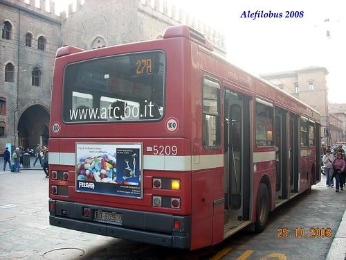 Bologna: Iveco n° 5209 linea 27A