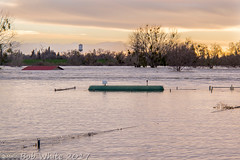 Feather River at stage 2 (Vurnman) Tags: california norcal yubacounty river featherriver levee flood watertower yubacity tank propane sunset