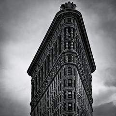 """The Penthouse"" (Sebastian (sibbiblue)) Tags: newyork skyline architecture facade penthouse nikkor flatironbuilding burnham 18105 madisonpark flatirondistrict thepenthouse 21stfloor dinkelberg nikond7000"