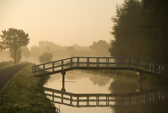 Brug bij tegenlicht (beeldmark) Tags: morning bridge mist holland reflection netherlands canal utrecht nederland brug ochtend  schalkwijk wetering  spiegeling tullentwaal provincieutrecht  anawesomeshot onlyyourbestshots diamondclassphotographer flickrdiamond beeldmark