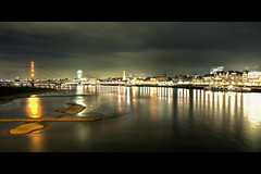 City Lights (Jrg Dickmann) Tags: city longexposure topf25 night river germany geotagged deutschland lights cityscape nacht stadt dsseldorf rhine rhein duesseldorf canon1740 mywinners geo:lat=51221785 geo:lon=6763075