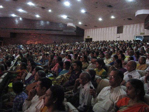 Sudha Raghunathan performing to a packed Auditorium at Kamarajar Arangam
