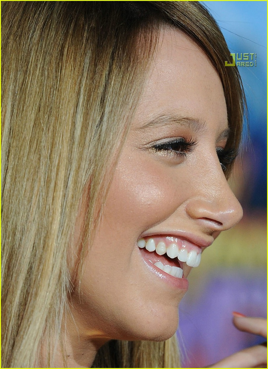 Hannah Montana Premiere 100000 Pictures - Oh No They Didn -7520