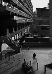 Barbican Living (jamalrob) Tags: bon london architecture buildings concrete modernism barbican powell chamberlin modernist