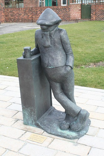 Andy Capp statue