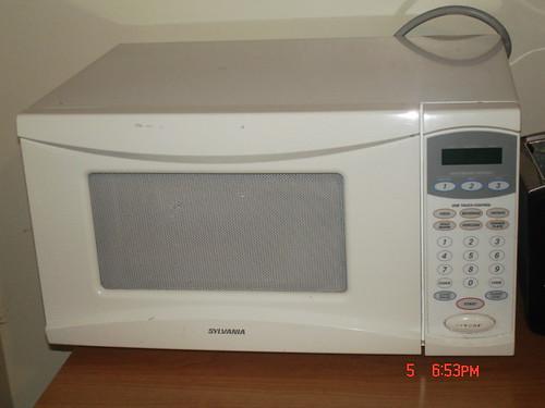 Sylvania microwave $ 40