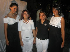 "debora, donella, malaga e daniela • <a style=""font-size:0.8em;"" href=""http://www.flickr.com/photos/23383087@N08/2859303559/"" target=""_blank"">View on Flickr</a>"