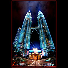 KLCC glowing in the night (Papafrezzo,